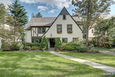 Essex County Single Family Home For Sale: 492 Mayhew Court