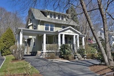 Ridgewood Single Family Home For Sale: 363 Godwin Avenue