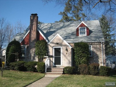 Teaneck Single Family Home For Sale: 27 Fenimore Road