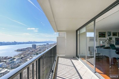 Fort Lee Condo/Townhouse For Sale: 3 Horizon Road #1221