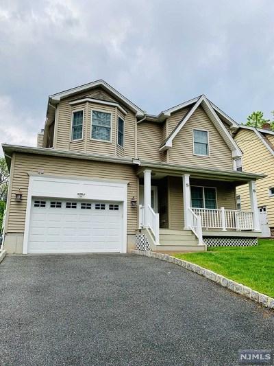 Dumont Single Family Home For Sale: 146 East Quackenbush Avenue
