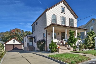 Saddle Brook Single Family Home For Sale: 123 Catherine Avenue