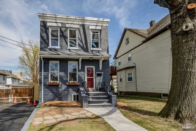 Ridgefield Park Single Family Home For Sale: 10 Highland Place