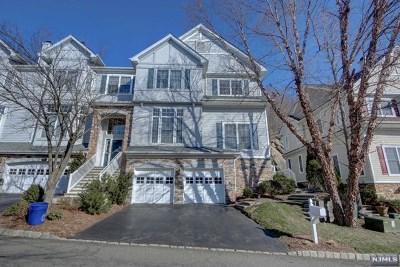 Oakland Condo/Townhouse For Sale: 49 Winding Ridge