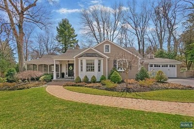 Wyckoff Single Family Home For Sale: 692 Terrace Heights