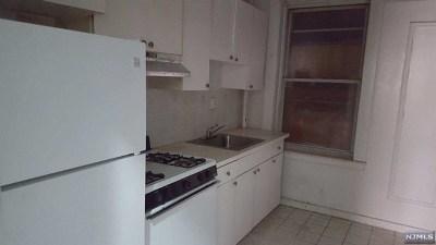 Leonia Condo/Townhouse For Sale: 250 Broad Avenue #3d