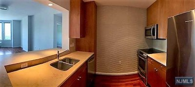 Edgewater Condo/Townhouse For Sale: 3406 City Place