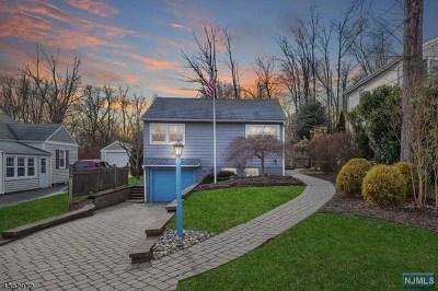 Morris County Single Family Home For Sale: 68 Hillside Avenue