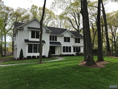 Woodcliff Lake Single Family Home For Sale: 117 Winding Way