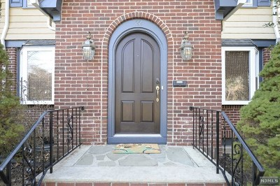 Allendale Single Family Home For Sale: 22 Midwood Avenue