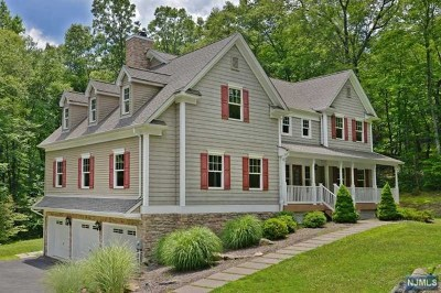 West Milford Single Family Home For Sale: 220 Wooley Road