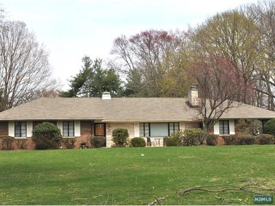 Closter Single Family Home For Sale: 59 Hickory Lane