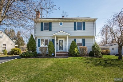 Pompton Lakes Single Family Home For Sale: 197 Garden Road