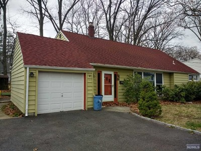 New Milford Single Family Home For Sale: 192 Licata Drive