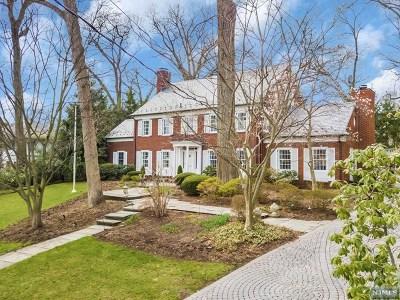 Ridgewood Single Family Home For Sale: 338 Highland Avenue