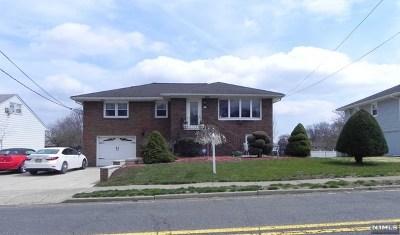 Little Ferry Single Family Home For Sale: 175 Redneck Avenue
