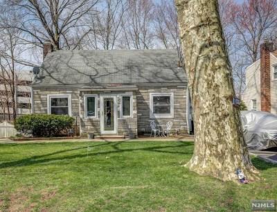 Teaneck Single Family Home For Sale: 1846 Palisade Avenue
