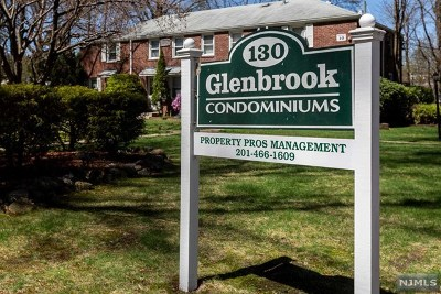 Englewood Condo/Townhouse For Sale: 130 Glenbrook Parkway #5-E