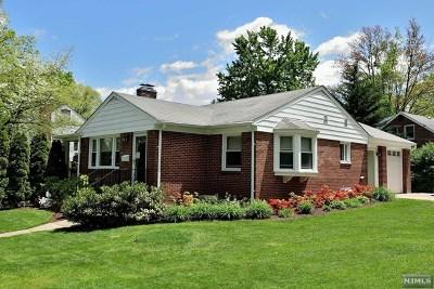Cresskill Single Family Home For Sale: 40 Lexington Avenue
