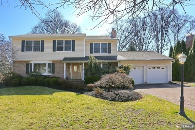 Oradell Single Family Home For Sale: 112 Deerfield Court