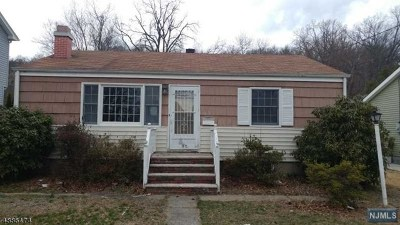 Pompton Lakes Single Family Home For Sale: 1031 Colfax Avenue