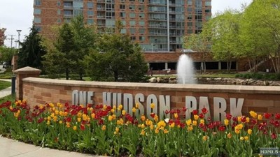 Edgewater Condo/Townhouse For Sale: 509 Hudson Park