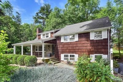 Upper Saddle River Single Family Home For Sale: 457 West Saddle River Road