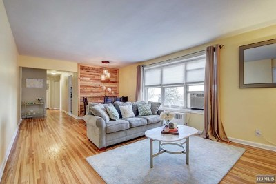 Fort Lee Condo/Townhouse For Sale: 2350 Linwood Avenue #4g