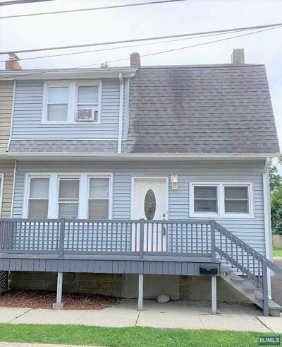 Pompton Lakes Single Family Home For Sale: 19 Walnut Street