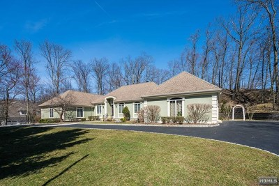 Franklin Lakes Single Family Home For Sale: 643 High Mountain Road