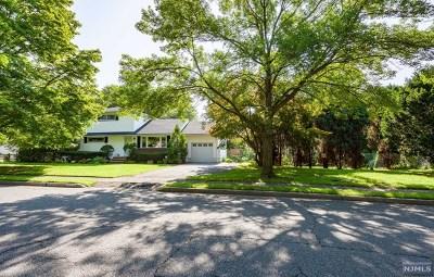 Paramus Single Family Home For Sale: 722 Lafayette Street