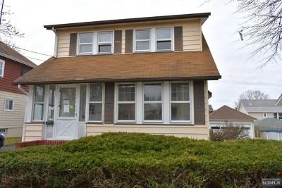 Elmwood Park NJ Single Family Home For Sale: $275,000