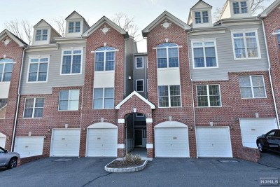Hawthorne Condo/Townhouse For Sale: 13 Rhodes Court