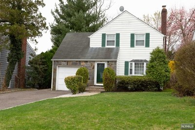 Teaneck Single Family Home For Sale: 30 Van Buren Avenue