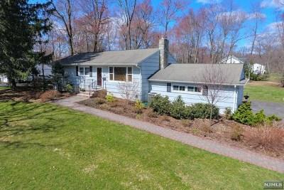 Wyckoff Single Family Home For Sale: 429 Cedar Hill Avenue