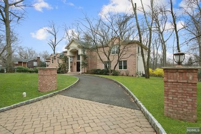 Woodcliff Lake Single Family Home For Sale: 111 Winding Way