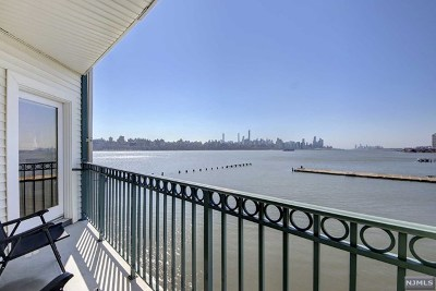 Edgewater Condo/Townhouse For Sale: 319 The Promenade