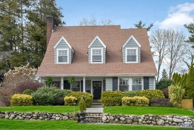 Glen Rock Single Family Home For Sale: 52 Emerson Road