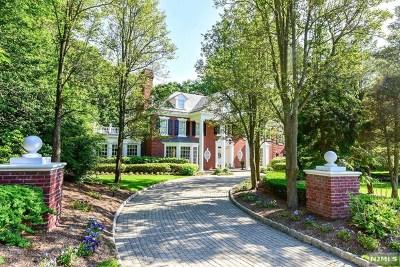 Franklin Lakes Single Family Home For Sale: 750 Apple Ridge Road