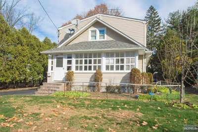Wyckoff Single Family Home For Sale: 10 Ward Avenue