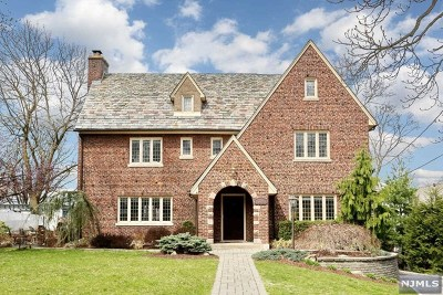 Hackensack Single Family Home For Sale: 309 Summit Avenue