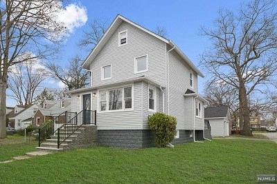 Bergenfield Single Family Home For Sale: 273 East Johnson Avenue
