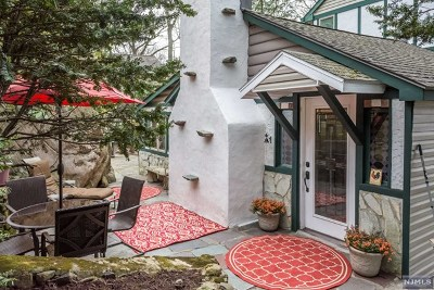 Morris County Single Family Home For Sale: 6 Laurel Trail