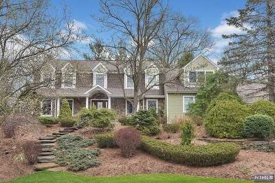 Wyckoff Single Family Home For Sale: 445 Shelbourne Drive