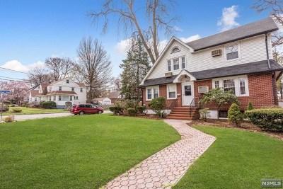 Teaneck Single Family Home For Sale: 300 Sherman Avenue