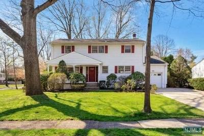 Paramus NJ Single Family Home For Sale: $625,000