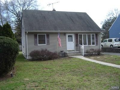 Pompton Lakes Single Family Home For Sale: 116 Riverdale Road