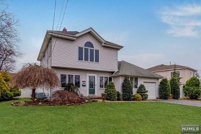 Fair Lawn Single Family Home For Sale: 14-11 Elmwood Place