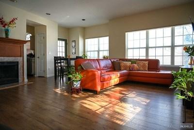 Morris County Single Family Home For Sale: 1508 Riveredge Lane
