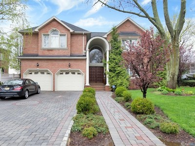 Englewood Cliffs Single Family Home For Sale: 502 Floyd Street
